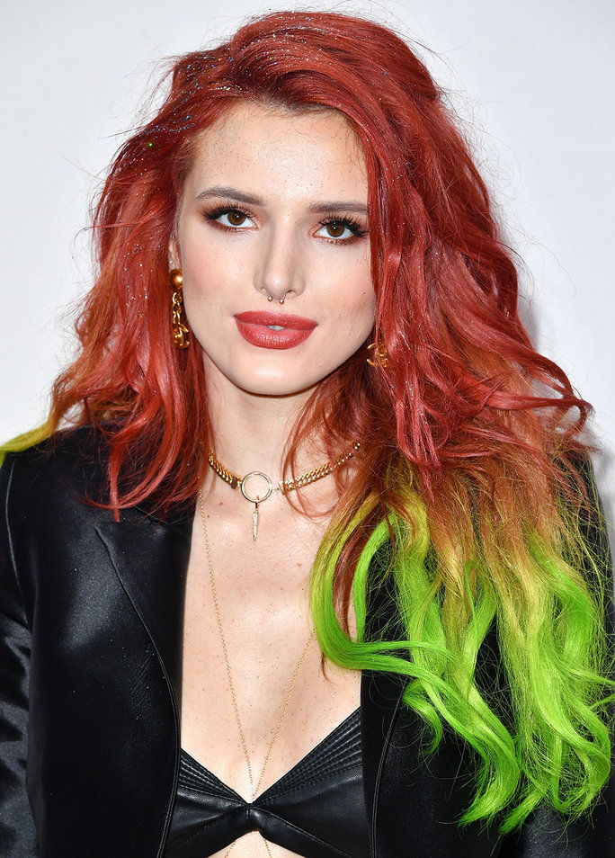 LOS ANGELES, CA - NOVEMBER 20: Actress Bella Thorne attends the 2016 American Music Awards at Microsoft Theater on November 20, 2016 in Los Angeles, California. (Photo by Steve Granitz/WireImage)